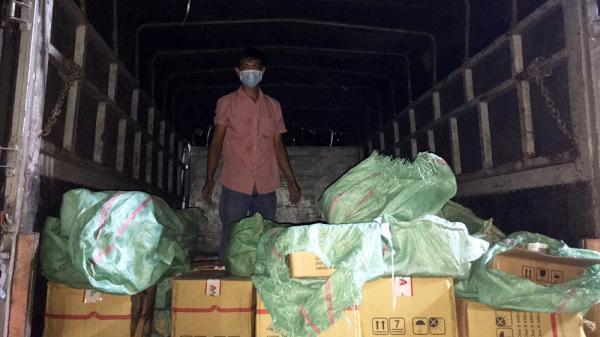 An Giang: Đội CSGT trật tự Công an TP. Châu Đốc phát hiện nhiều xe chở thuốc bảo vệ thực vật không rõ nguồn gốc