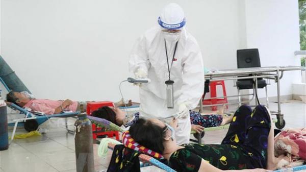 Bác sĩ trong tâm dịch 115: Làm việc 200 - 300% sức lực, chỉ lơ là 1 phút là có thể lây nhiễm Covid-19