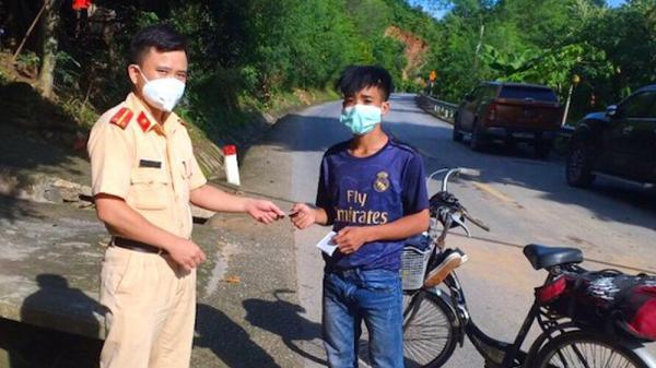 Thanh niên 18 tuổi đạp xe vượt 700km về Nghệ An tránh dịch Covid-19