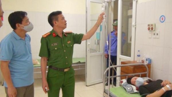 Nữ Trung tá Công an kiệt sức vì liên tục thức xuyên đêm hỗ trợ người dân làm căn cước công dân