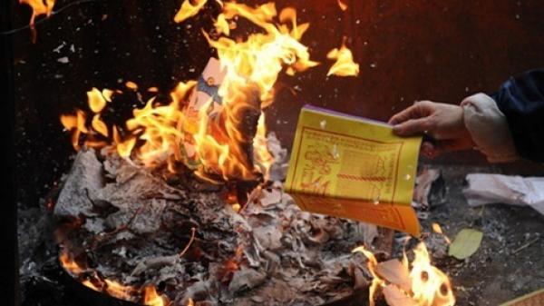 Cúng rằm tháng 7 xong đừng dại mà đốt vàng mã kiểu này kẻo tài lộc tiêu tán, mang cả vận xui về nhà