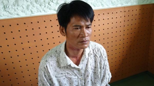 Chồng tàn nhẫn đâm vợ 22 nhát dao rồi cắt cổ tự tử ở miền Tây