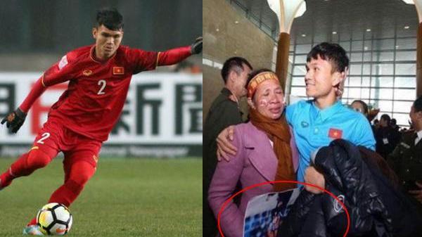 Tuyển thủ U23 Việt Nam lặng người vì món quà 10 nghìn đồng mẹ tặng ở sân bay