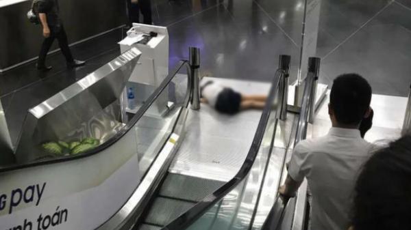 KINH HOÀNG: Nữ sinh tử vong sau khi rơi từ lầu 3 toà nhà xuống đất