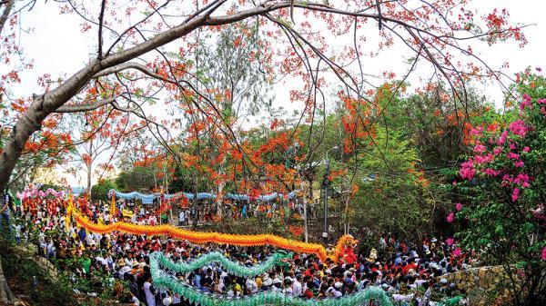 Châu Đốc phấn đấu trở thành trung tâm du lịch tâm linh đặc sắc