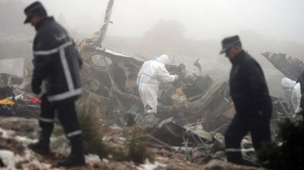 Hiện trường rợn người vụ rơi máy bay quân sự khiến 257 người thiệt mạng