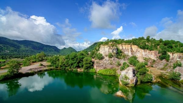 Tà Pạ hút hồn khách du lịch bởi khung cảnh hùng vĩ