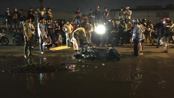 Sụp ổ gà ngập nước, nam thanh niên miền Tây bị xe container cán qua đầu t.ử v.ong thương tâm