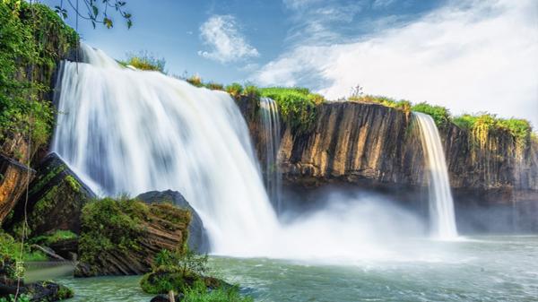Đắk Lắk: Chiêm ngưỡng vẻ đẹp hùng vĩ và bí ẩn thác Draynur