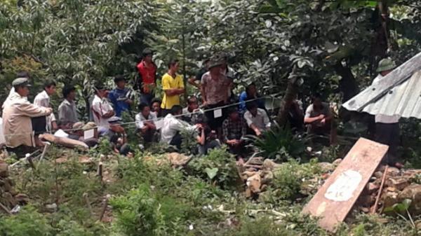 Kinh hoàng: Chủ tịch xã ch.ết trong tư thế treo cổ trên cây