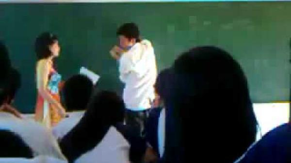 Hy hữu: Giáo viên đánh học sinh bất ngờ được người cảm thông biếu hơn 1 tỷ đồng tiền mặt