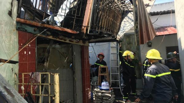 An Giang: Cháy lớn thiêu rụi toàn bộ căn nhà ở TP. Long Xuyên, cả dãy tháo chạy toán loạn