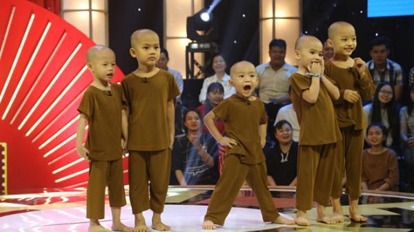 5 chú tiểu Bồng Lai mồ côi xuất sắc giành 100 triệu từ chương trình Thách thức danh hài