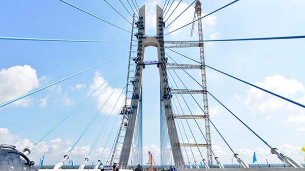 Sửa chữa vết nứt trụ neo cầu dây văng lớn nối Đồng Tháp - Cần Thơ hơn 5.700 tỷ quá chậm trễ
