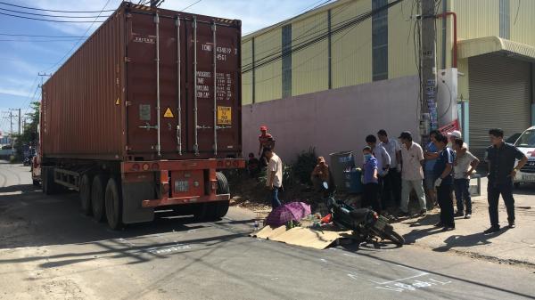 Về nhà sau giờ nghỉ trưa, nữ công nhân miền Tây bị xe container c.án ch.ết tức tưởi ngay trước cổng công ty