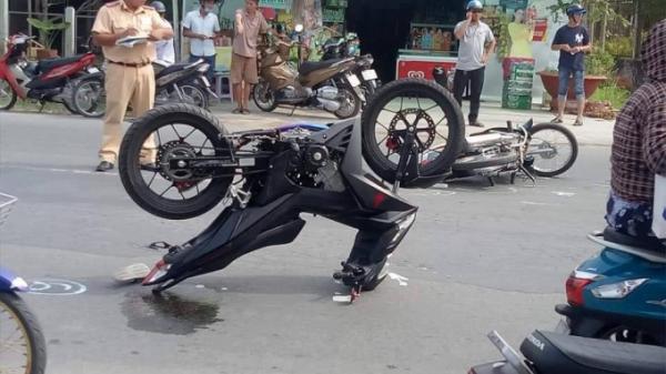 Kỳ lạ: Xe Winner bất ngờ chổng ngược giữa đường phố Vĩnh Long khiến ai cũng ngạc nhiên