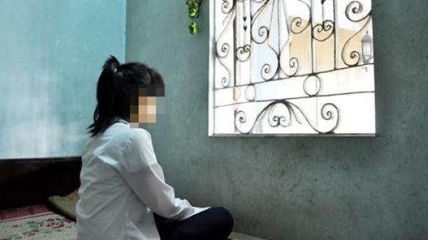 An Giang: Tạm giữ gã cha dượng lẻn vào phòng ngủ giở trò đ.ồi bại với bé gái 11 tuổi