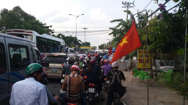 Vĩnh Long: Vì sao Phà Đình Khao thường xuyên kẹt xe?