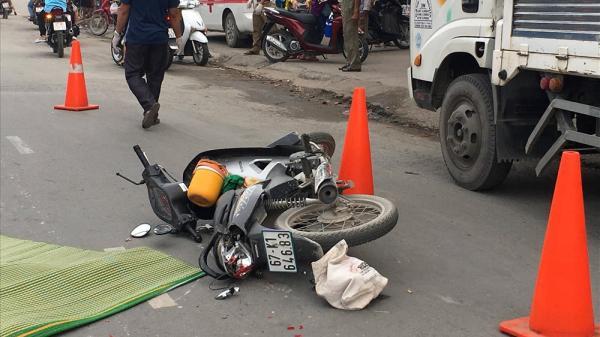 Người phụ nữ miền Tây bị xe container cán ch.ết th.ương tâm trên đường đi làm, giao thông ùn ứ kéo dài