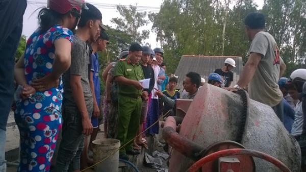 An Giang: Đang trộn bê tông, 1 công nhân bị điện giật chết thương tâm
