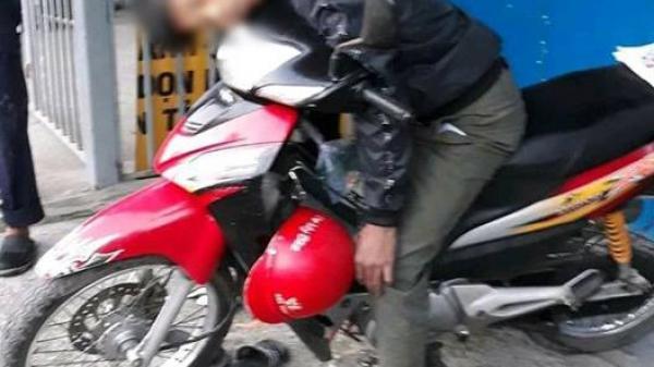 Nam thanh niên t.ử v.ong bí ẩn trong tư thế ngồi trên xe máy