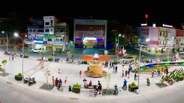 Tuyến phố đi bộ đầu tiên siêu hoành tráng ở An Giang lung linh chào đón xuân
