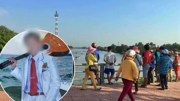 Thuyền lật, người cha bị thương cố đẩy con trai 5 tuổi lên mặt nước rồi t.ử nạn thương tâm dưới sông