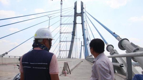 Cận cảnh cầu Vàm Cống - cầu dây văng lớn nhất miền Tây đã sửa trên 99%, chờ ngày thông xe