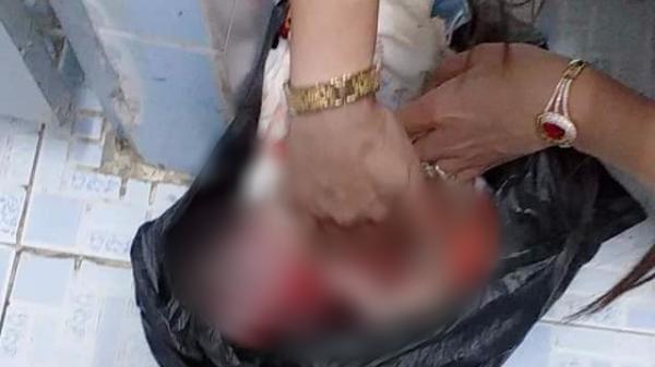 Phát hiện bé sơ sinh trong chiếc túi đen ở nhà vệ sinh của khu công nghiệp