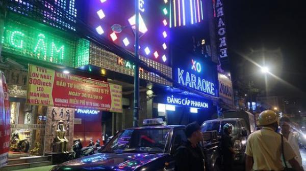 Công an chính thức thông tin về kết quả kiểm tra quán karaoke của Phúc XO, người đeo vàng nhiều nhất Việt Nam