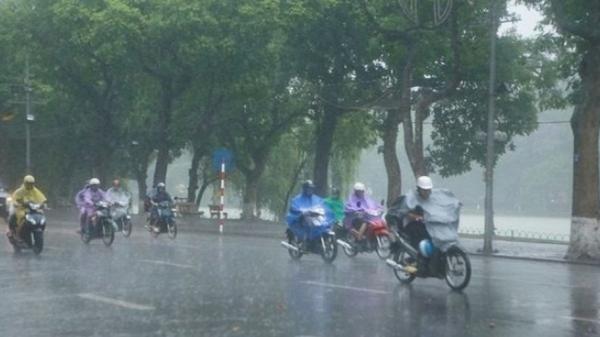 Cảnh báo thời tiết nghỉ lễ 30/4 tại Nam Bộ: Đề phòng sét, dông lốc, mưa đá
