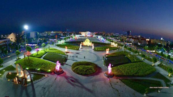 Chiêm ngưỡng những công trình kỷ lục Việt Nam tại quảng trường Hùng Vương ở Bạc Liêu lớn nhất ĐBSCL