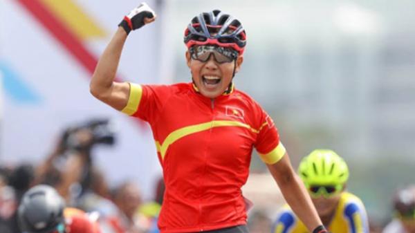 """Cô gái vàng An Giang - Nguyễn Thị Thật và """"chuyện tình"""" với xe đạp"""