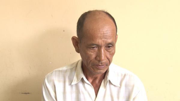 Vĩnh Long: Người đàn ông quỳ gối xin lỗi sau khi dâm ô nữ sinh lớp 4 ngay tại trường