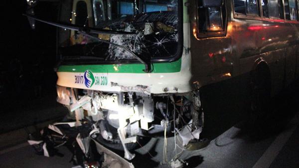 Xe buýt tông loạn xạ trên quốc lộ, thanh niên quê An Giang tử vong tại chỗ
