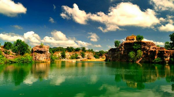 Phong cảnh hồ Tà Pạ đẹp như bức tranh họa đồng