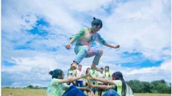 """'Tan chảy' với bộ ảnh kỷ yếu """"siêu quậy"""" của teen An Giang"""