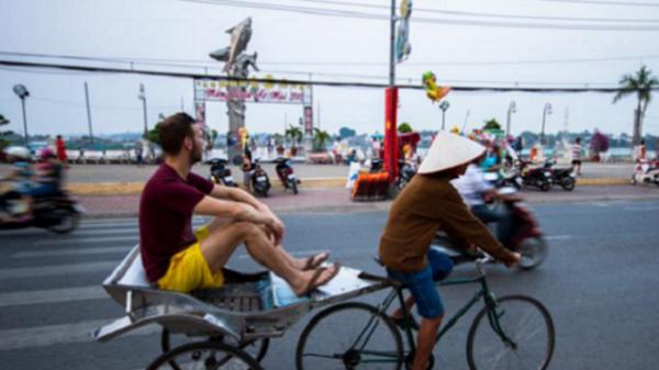 Thú vị du ngoạn bằng xe vua (xe lôi) tại An Giang