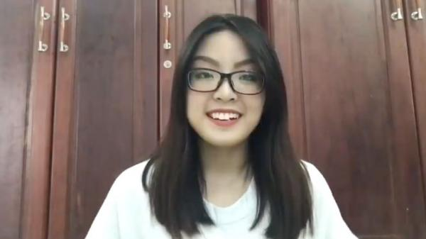 Nữ sinh xinh xắn trường chuyên Thoại Ngọc Hầu (An Giang) gây xôn xao cộng đồng mạng với trình độ nói tiếng Anh lưu loát