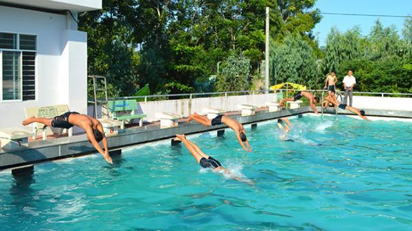 Đưa bơi lội vào trường học ở An Giang