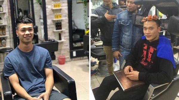 """Cận cảnh buổi """"tân trang nhan sắc"""" của dàn soái ca U23 VN khi về nước, người nhuộm tóc, kẻ quấn lô"""