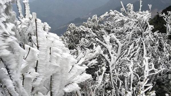 Hôm nay, không khí lạnh tăng cường, miền Bắc rét cắt da cắt thịt, nhiều nơi chỉ 0-4 độ