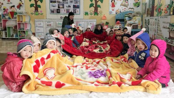 Hôm nay, nhiều học sinh Bắc Giang tiếp tục phải nghỉ học do rét đậm, rét hại