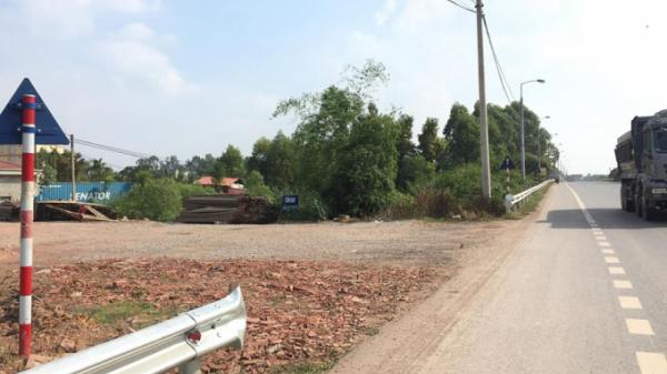 UBND huyện Lạng Giang (Bắc Giang) yêu cầu lắp lại hộ lan trên QL1