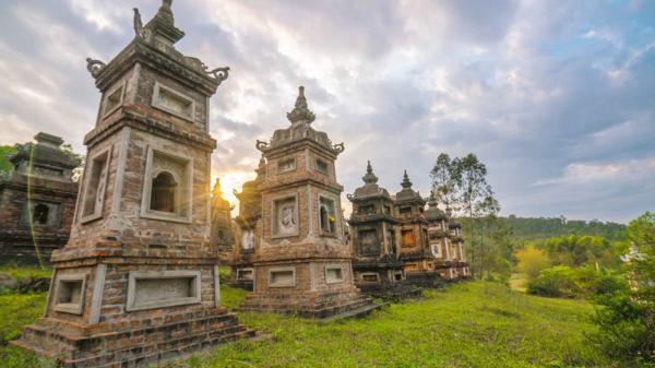 Sững sờ trước vẻ đẹp cổ kính của ngôi chùa cổ ở Bắc Giang