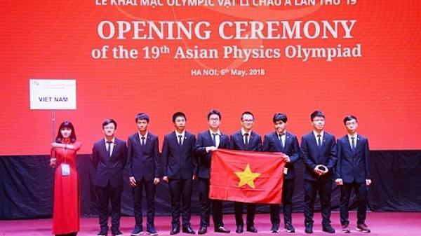Học sinh Bắc Giang lọt top 8 học sinh của Việt Nam tham gia Olympic Vật lý châu Á