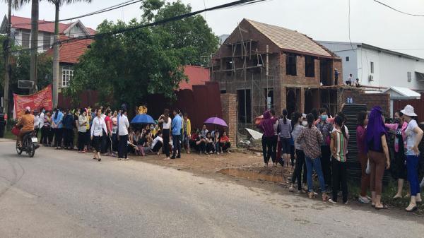 Công nhân ngừng việc tập thể ở Bắc Giang: Doanh nghiệp cam kết cải thiện chất lượng phục vụ