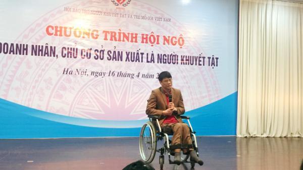 Giám đốc Bắc Giang ngồi xe lăn tạo việc làm cho người lao động nghèo