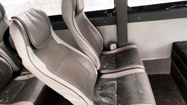 Ném đá xe khách Bắc Giang khiến nhiều người bị thương