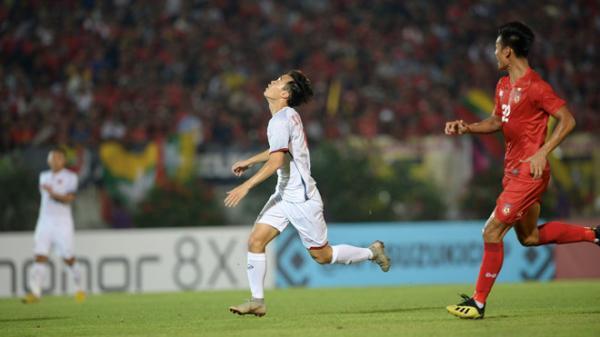 VIDEO: Tình huống trọng tài từ chối bàn thắng của Văn Toàn